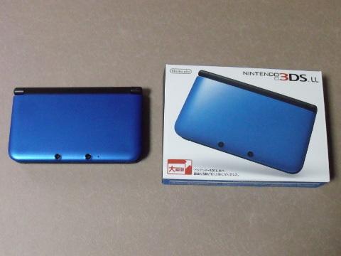 3DSLL本体と外箱