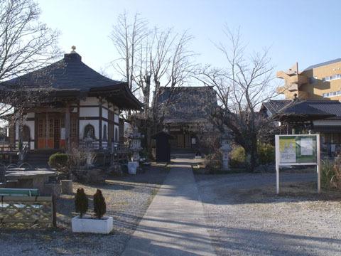 正源寺境内