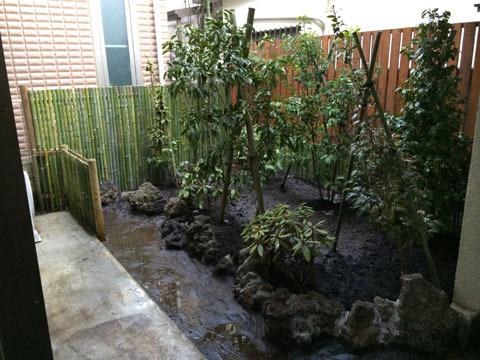 竹垣と木塀の作成・植栽・石組み