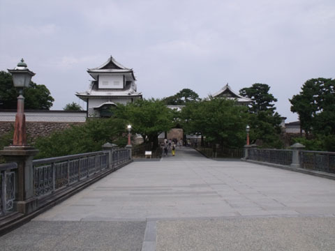 金沢城公園入り口
