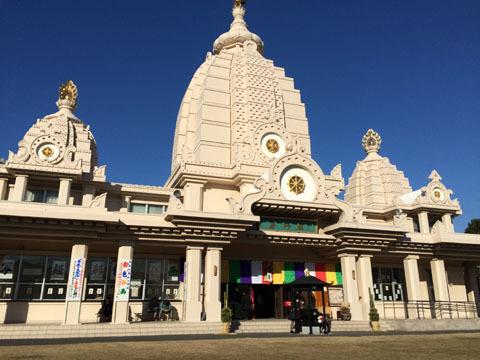 薬師殿、インド風な建物