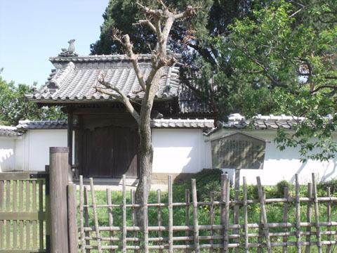 孔子廟の前門(戟門)