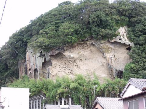 侵食された岩肌