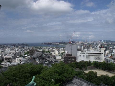 最上階から和歌山港方面を望む