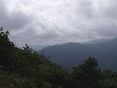 勿論富士山など見えず…