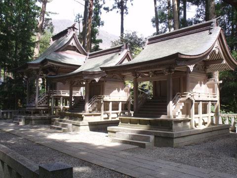 神社の摂社と末社