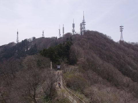 山頂周辺はテレビ用のアンテナが林立
