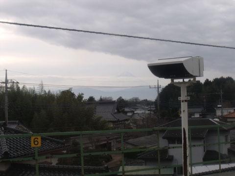 わずかに富士山が見える