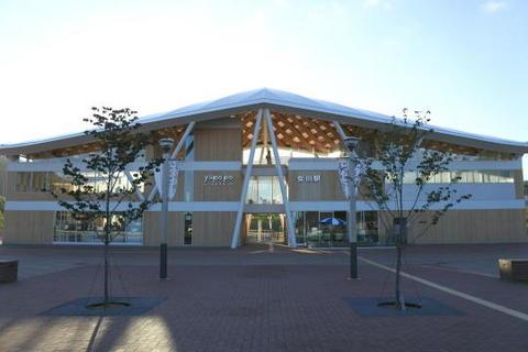 2015年3月に開業した新女川駅舎