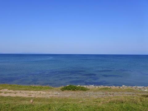 眼前に海が広がる