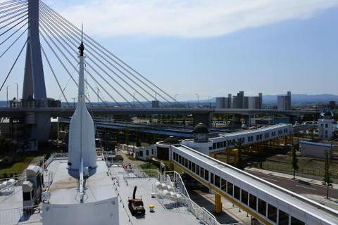 煙突展望台から見た青森駅