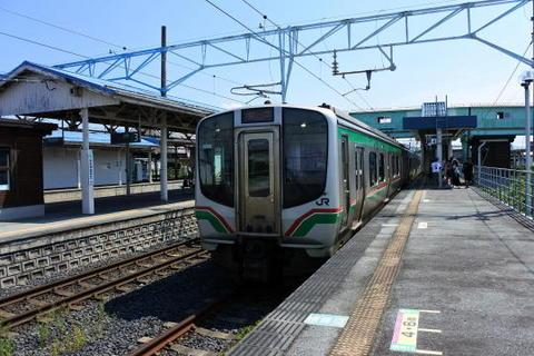 仙山線の電車が到着