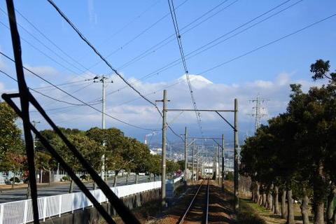 富士山雲隠れ寸前