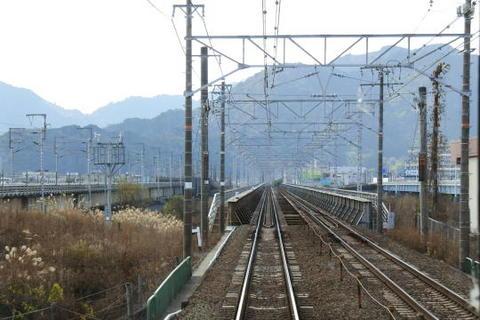 静岡の先、安部川の鉄橋