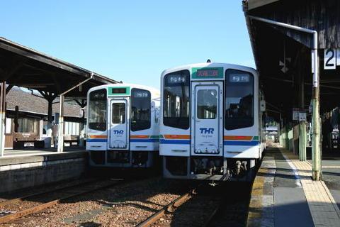 天竜二俣駅で先へ行く列車に乗り換え