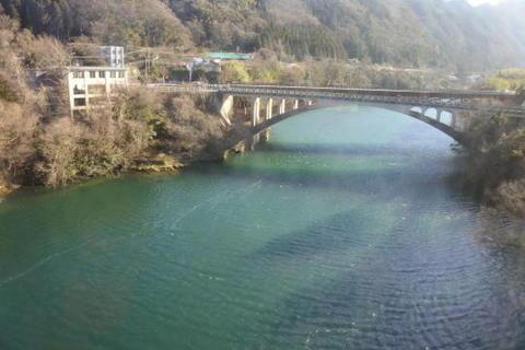 この辺りから神通川に