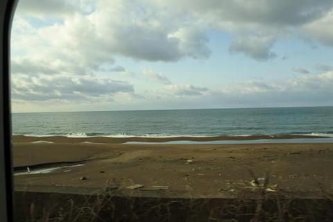 というか目の前が日本海