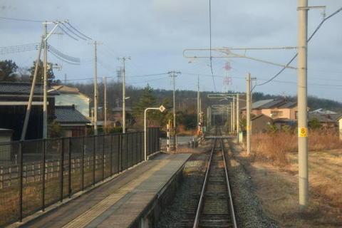 電化区間とはいえローカル線の雰囲気