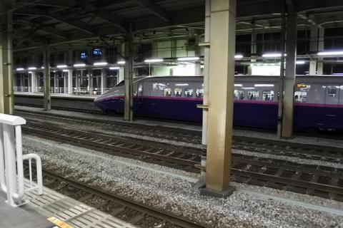 新幹線の長岡駅ホーム