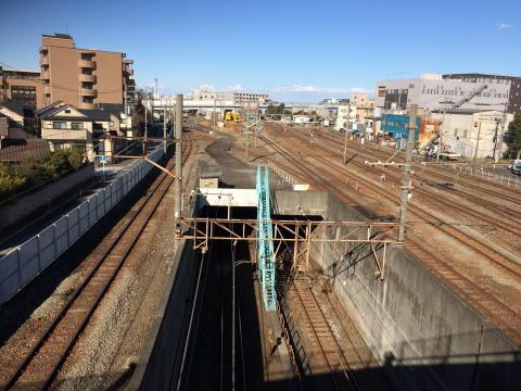 駅の目の前は貨物線