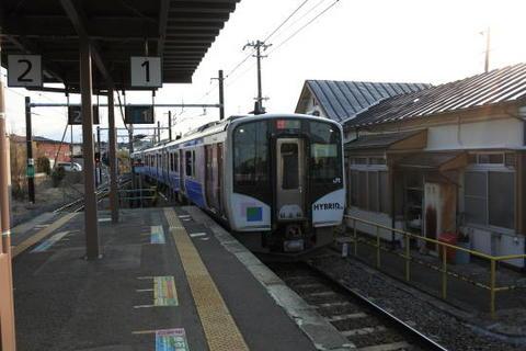 次は仙石東北ラインの列車に乗車