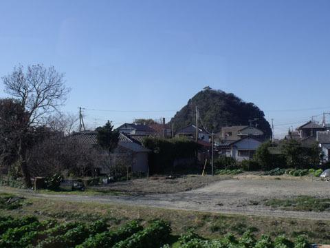 山の上に城が