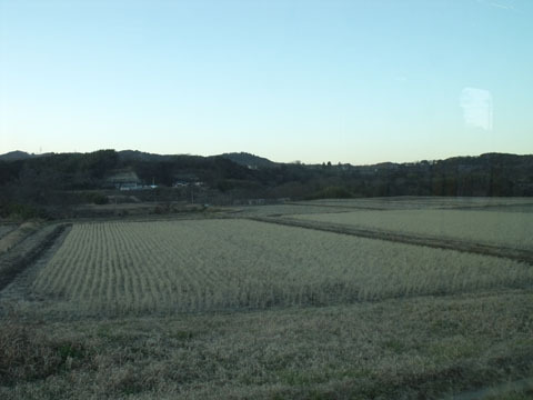引き続き田園地帯