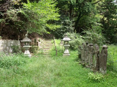 浄発願寺奥の院入り口