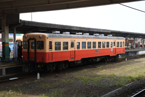 レトロ感漂う小湊鉄道の気動車