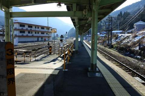 かつては神岡鉄道の乗換駅でもあった