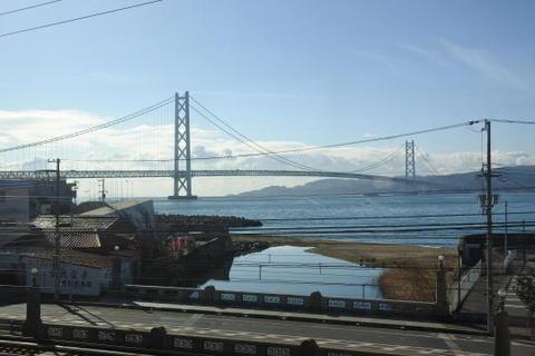 明石海峡大橋の全景