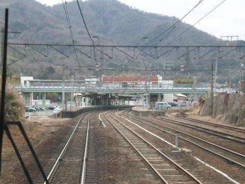 八本松駅に着くところ