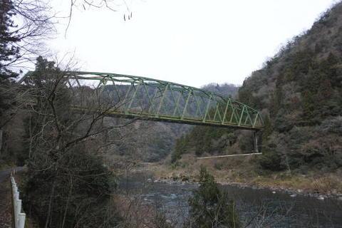 巨大な鉄橋