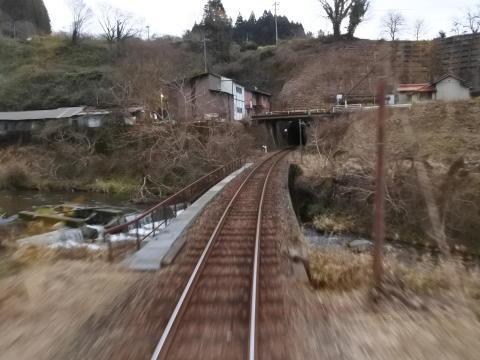 再び鉄路で移動