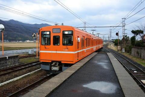 出雲大社前行きの列車が到着
