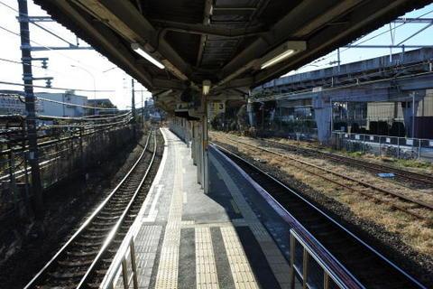 鶴見線の浜川崎駅ホーム
