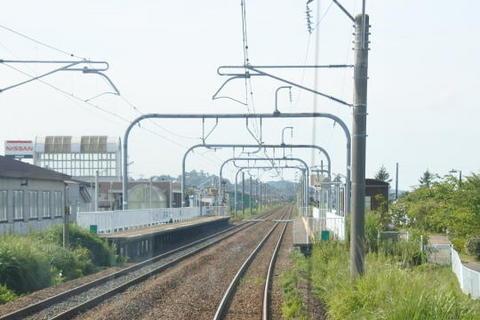 井川さくら駅を通過