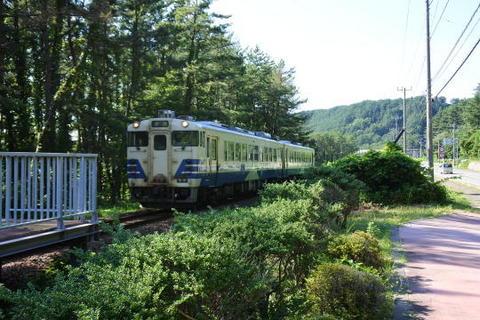 普通列車が到着
