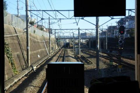 東所沢駅を発車